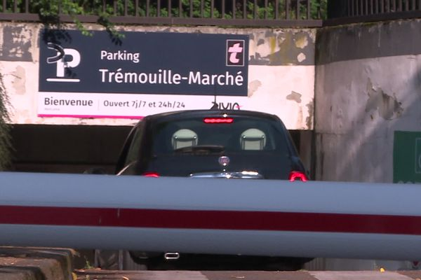 Le parking devait initialement fermer le 1er octobre prochain.
