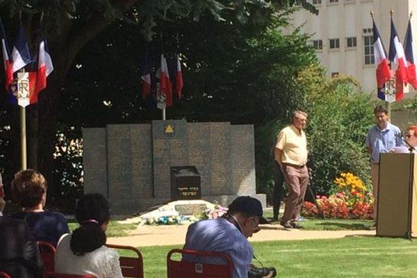 Le Mémorial de la Shoah organisait une cérémonie en mémoire des déportés du convoi n°6 vers le camp d'Auschwitz.