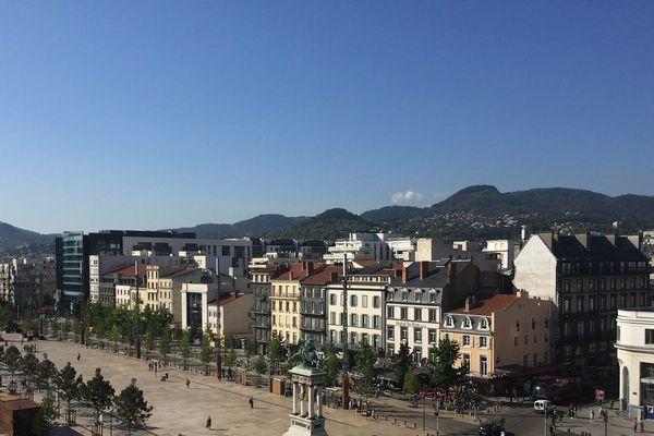 A Clermont-Ferrand, les lieux publics gérés par la métropole sont fermés à partir du samedi 14 mars et jusqu'à nouvel ordre.