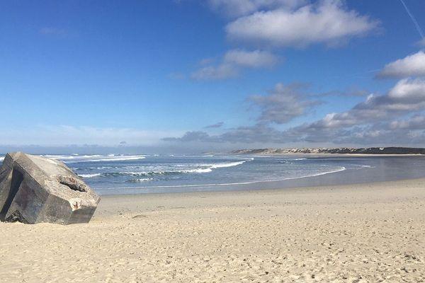 La plage de la Torche (quasi) déserte depuis l'interdiction des sports nautiques et des promenades à pied.