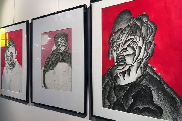 Des visages tourmentées se retrouvent dans les oeuvres de Marcel Dirou