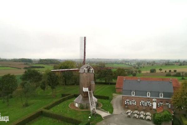 Le Moulin de l'Ingratitude de Boeschepe et l'estaminet De Vierpot
