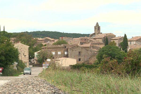 Gard : l'église de Saint-André-de-Roquepertuis touchée par la foudre, son clocher menace de s'écrouler