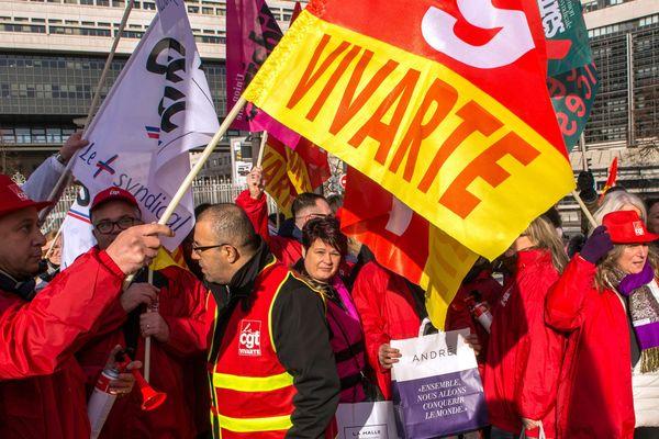 05 Janvier 2017. Rassemblement des salariés du groupe Vivarte a l'appel de l'intersyndicale pour alerter sur un plan de licenciements