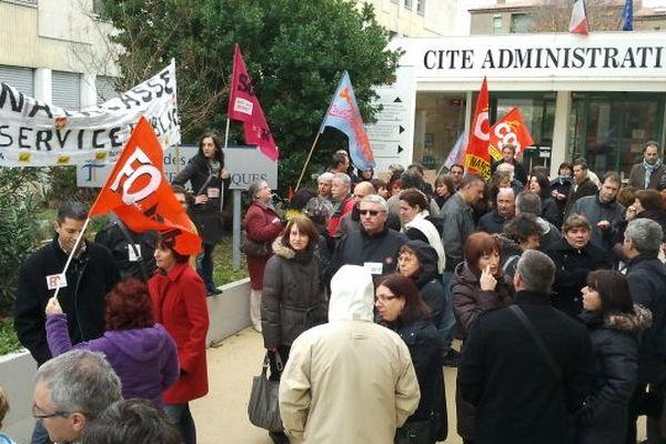 Carcassonne - manifestation des employés des impôts et du trésor public - 27 novembre 2012.