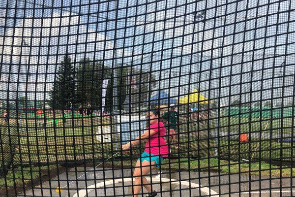 Le Clermont athlétisme Auvergne a décidé de reprendre le flambeau cette année sous la direction de Manon Bergami. La jeune femme participait elle-même à l'événement, samedi 6 juillet au stade des Cézeaux, à Aubière, avec le lancer de marteau.