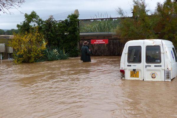 Parc aux lions à la réserve africaine de Sigean après les inondations novembre 2014