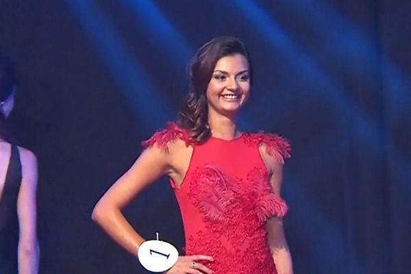 Naomi Bailly, 21 ans, 1m71, est élue Miss Bourgogne 2016