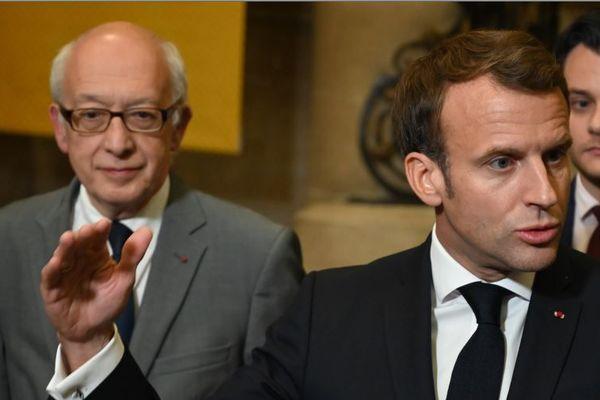 Yvon Robert et Emmanuel Macron en octobre 2019 à Rouen.