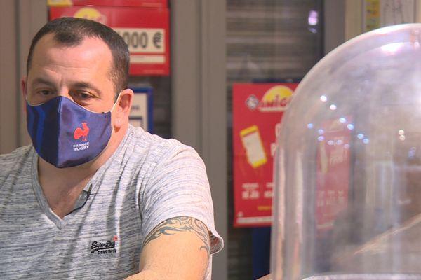 """Stéphane Pinabel, propriétaire du restaurant """"Le Village"""" est convoqué devant le tribunal le 2 mars prochain."""