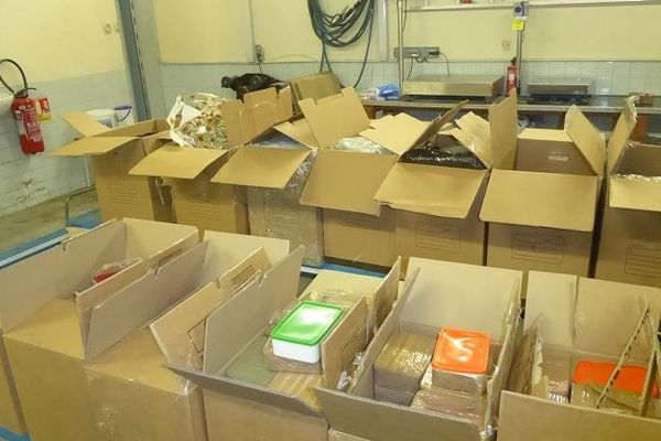 Les douaniers ont intercepté au total 18 cartons de drogue d'une valeur de 10 millions d'euros lors de la saisie du 16 février dernier.