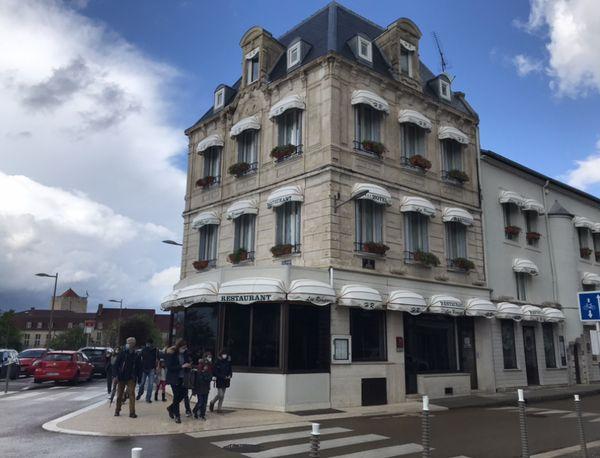 L'hôtel restaurant les Remparts de Chaumont ouvrira le 1er juin.