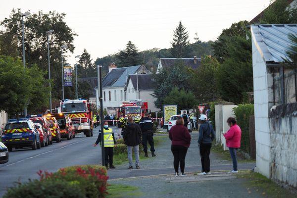Une cinquantaine de pompiers ont été mobilisés ainsi qu'une trentaine de gendarmes.