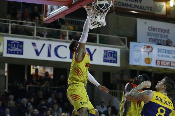 Les basketteurs de la JAVCM se sont imposés, vendredi 15 mars, face à Evreux 93 à 83.