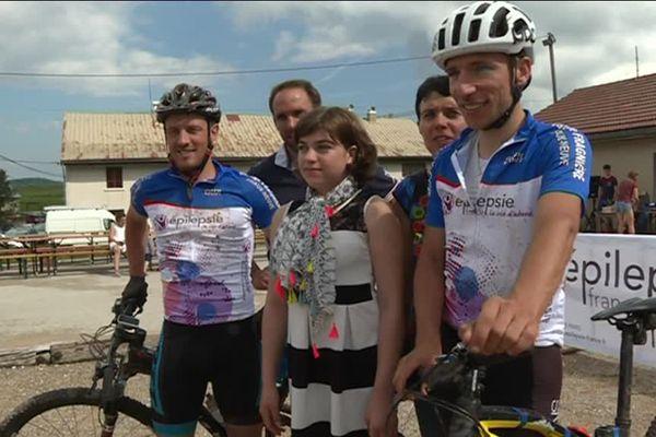 Julie est atteinte d'épilepsie. C'est pour elle, et pour toute les personnes atteintes de cette maladie, que Florian et Fabien ont décidé de parcourir les 381 km de la grande traversée du Jura.