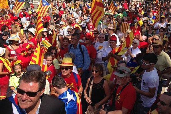 Des manifestants de tout age ont envahi la place de la Catalogne à Perpignan le 10 septembre 2016, pour dire oui au Pays Catalan.