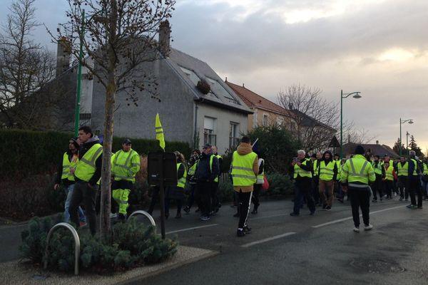 """Rassemblement des """"gilets jaunes"""" au rond point de Taissy (Marne)"""