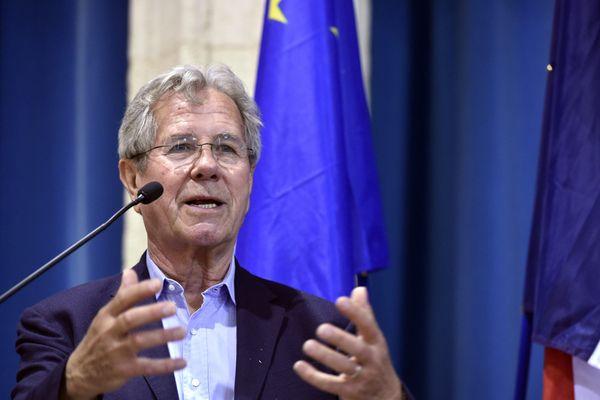 Jean-Louis Debré recommande un report des scrutins en raison de la situation sanitaire.