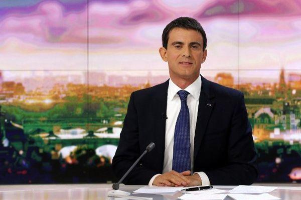 Manuel Valls sur le plateau de France 2 le 07/12/2014