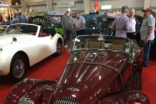 Un salon pour des voitures de légende
