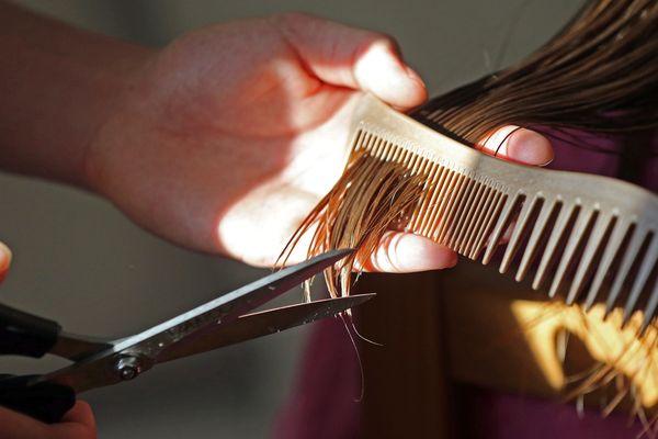 Les coiffeurs vont être très occupés à partir du 11 mai en Limousin, mais l'activité ne pourra pas reprendre comme avant.