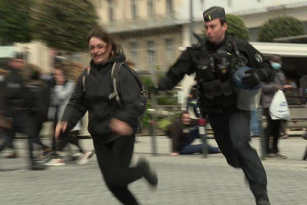 Premières manifestations au jour du déconfinement à Rennes