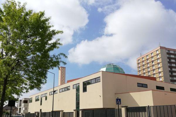 Une décennie de travaux a été nécessaire avant l'inauguration officielle de la grande mosquée de Saint-Denis, rue Henri-Barbusse.