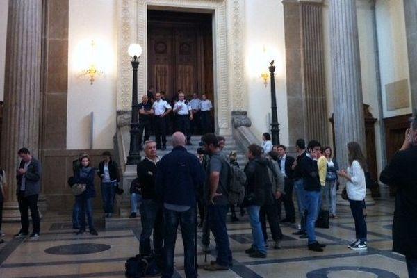 Les journalistes pensent le voir arriver... Il entrera par une porte dérobée !- Lyon, le 19/09/2014