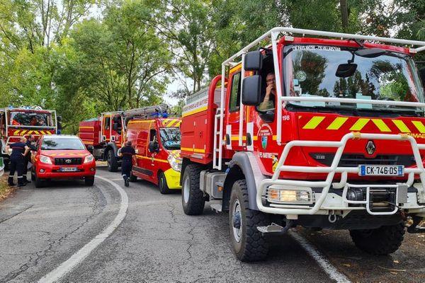 40 sapeurs-pompiers des Alpes-Maritimes sont partis dès ce mardi en renfort dans le Gard.