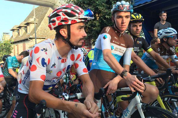 Romain Bardet et Julian Alaphillipe, lors du Critérium de Marcolès (Cantal). Avant les mondiaux de cyclisme, les deux grands favoris se sont entraînés sur les routes du Puy-de-Dôme.