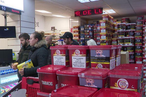 Dans un supermarché du tabac belge, ce vendredi 1er novembre