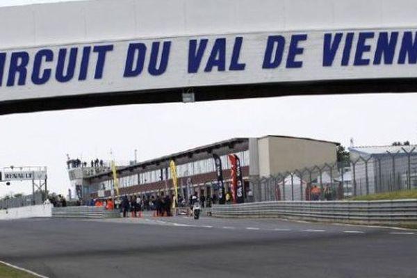 Le circuit du Val de Vienne accueille de très nombreux pilotes dans le cadre d'essais privés.