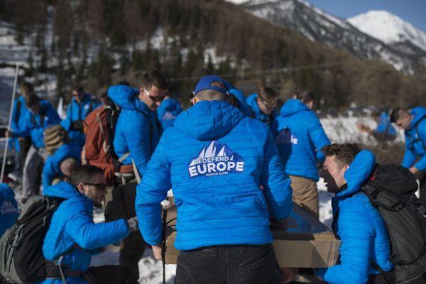 Les membres de Génération Identitaire en patrouille antimigrants dans les Hautes-Alpes au printemps 2018.