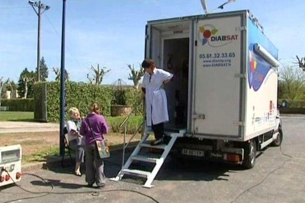 le camion sillonne les routes de l'Aveyron jusqu'à la fin du mois de juillet