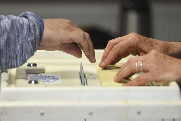 A Thiers, dans le Puy-de-Dôme, cinq candidats sont dans la course à l'élection municipale.