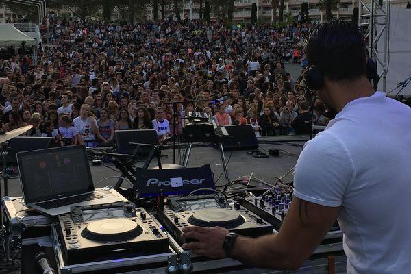 Le Kiss FM Live, premier concert gratuit de l'été sur la Côte d'Azur.
