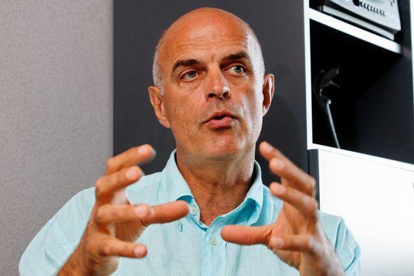Ferdinand Bernhard, maire de Sanary, devra répondre de favoritisme et prise illégale d'intérêts devant le tribunal correctionnel.