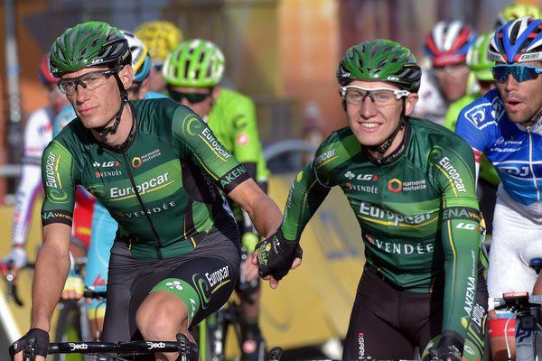 Pierre Rolland (à gauche) ici à l'arrivée du dernier Tour de France, s'apprête à prendre un nouveau départ