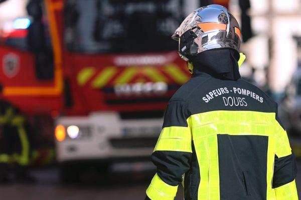 Vingt sapeurs-pompiers de Franche-Comté sont engagés dans le Sud de la France pour lutter contre les incendies.