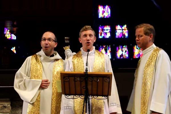 Le père Dollié, le père Monnier et le père Laude