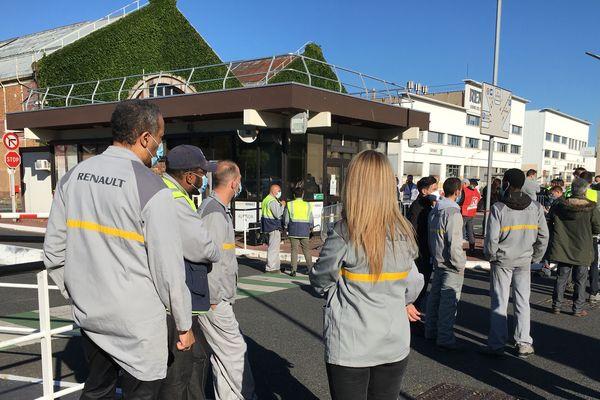 Les salariés ont appris hier soir la nouvelle de la fermeture du site dont l'activité doit être délocalisée à Flins dans les Yvelines.