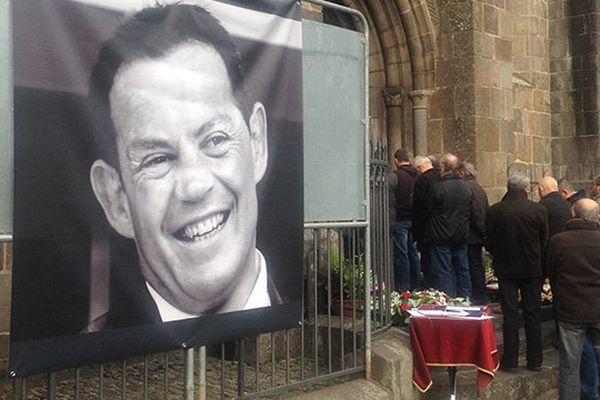 Les obsèques de Mauriac du policier municipal tué à Cavalaire.