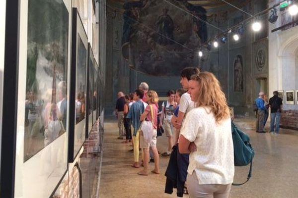 Exposition de photographies au couvent des Minimes de Perpignan lors du festival de photojournalisme Visa pour l'image.