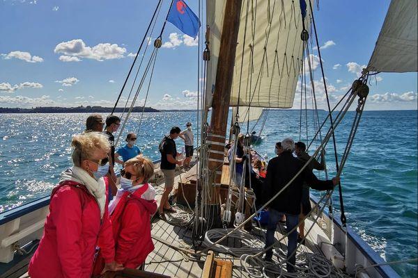 La Granvillaise accueille de nouveaux 30 marins à son bord pour des sorties en mer.