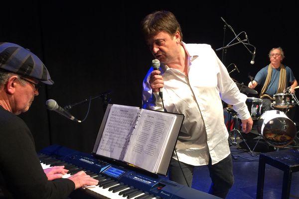 Michel Cordeboeuf et ses musiciens en répétition