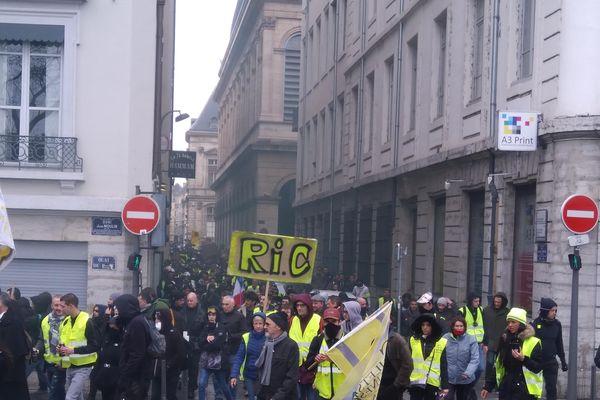 La manifestation régionale des gilets jaunes à Lyon, samedi 2 mars