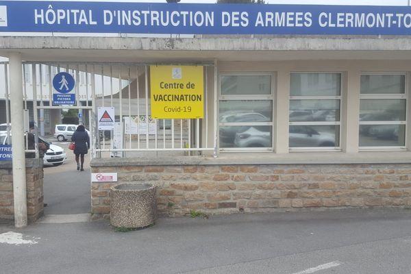 L'hôpital d'instruction des armées Clermont-Tonnerre de Brest est mobilisé pour la campagne de vaccination contre le coronavirus.