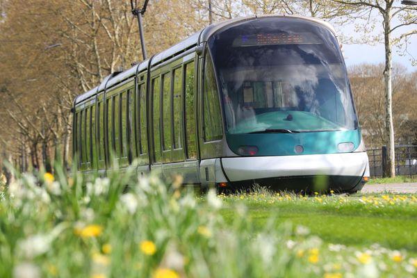 La circulation des lignes B et F du tram interrompue en raison d'un incident technique lundi 1er mars 2021.