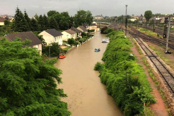 Entre mai et juin 2018, les intempéries ont causé de nombreux dégâts dont inondations et coulées de boue dans plusieurs départements du Centre-Val de Loire.