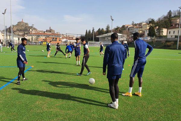 Jeudi 4 mars, les joueurs du Puy Foot 43 se sont entraînés avant leur match de samedi face à Lorient.